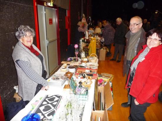 Vide-grenier  de février 2012 : vendeurs et visiteurs satisfaits