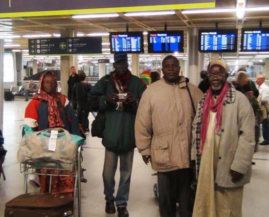 5-10-12 , arrivée à l'aéroport de Nantes