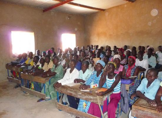 classe de l'école renovée de Kiri