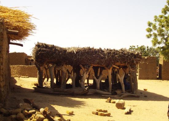 la toguna, case à palabres